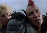 Сцена изо фильма Безумный Макс 0: Воин дороги / Mad Max 0 (1981)