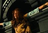 Кадр с фильма Женщина-кошка торрент 073176 люди 0