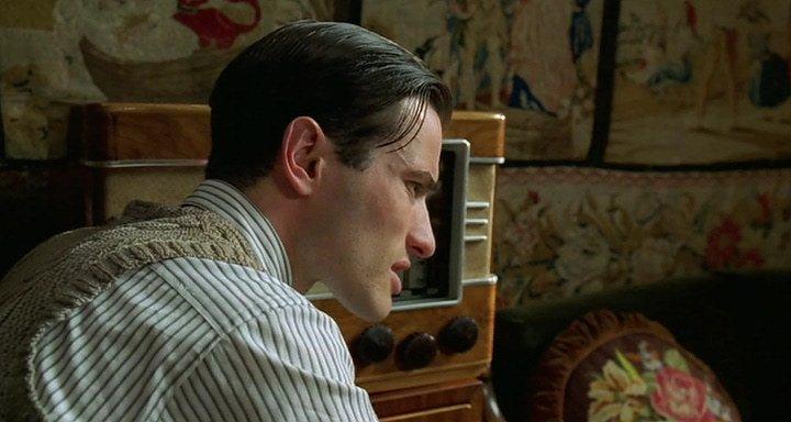 смотреть пианист в хорошем качестве: