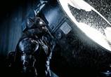 Сцена изо фильма Бэтмен наперерез кому/чему Супермена: На заре справедливости / Batman v Superman: Dawn of Justice (2016)
