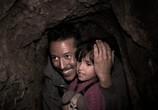 Сцена из фильма Нелегалы / Undocumented (2010) Нелегалы сцена 1