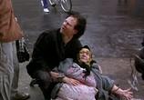 Сцена с фильма Квартирка Джо / Joe's Apartment (1996)