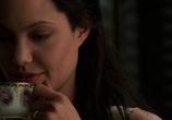 Сцена изо фильма Соблазн / Original Sin (2001)