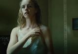 Кадр с фильма Безымянная - одна девочка на Берлине торрент 00349 работник 0